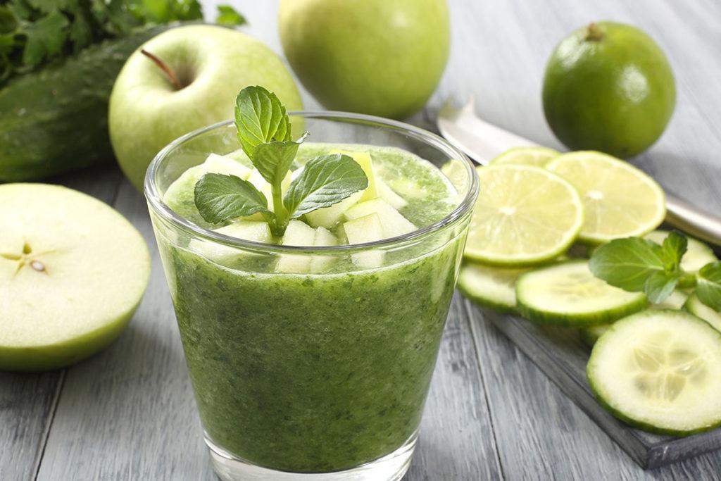 photo du smoothie brule-graisse concombre pomme citron vert