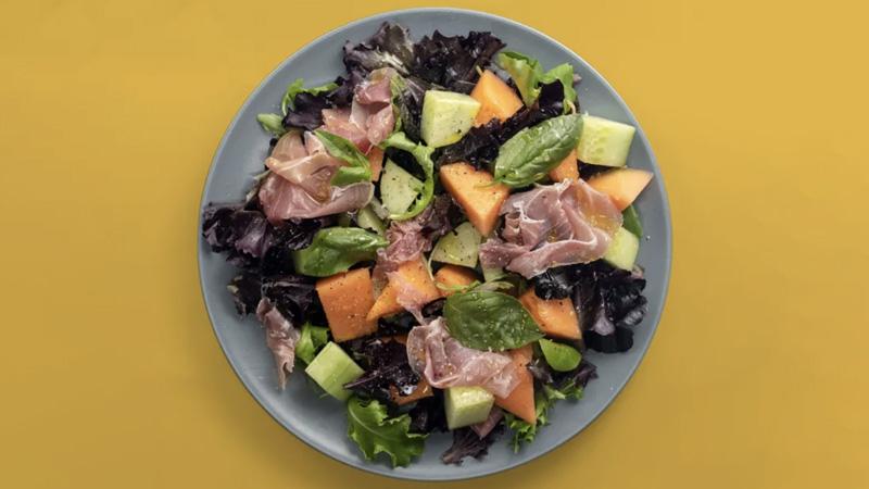 photo salade au melon et jambon cru