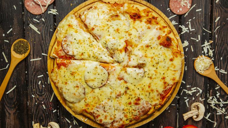 photo pizza base crème